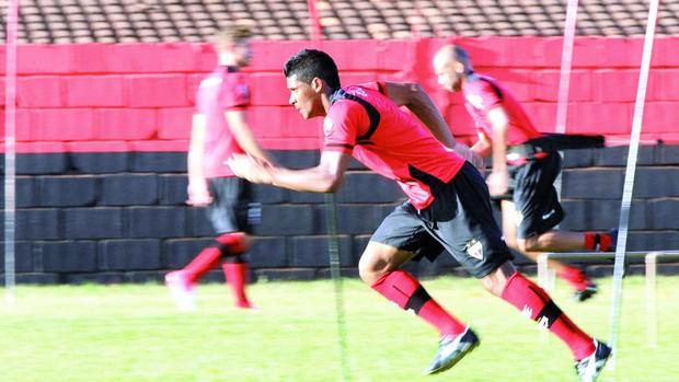 Rayllan, meia do Atlético-GO (Foto: Wildes Barbosa / O Popular)