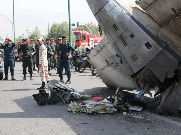 Acidente aconteceu logo após a decolagem (Foto: AFP)