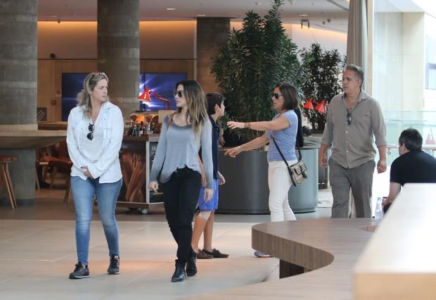 Cleo Pires com a família (Foto: Fabio Moreno / AgNews)