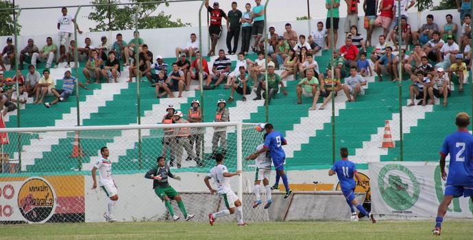 Sousa 0 x 0 Queimadense, no Estádio Marizão, pelo Campeonato Paraibano de 2014 (Foto: Jéfferson Emmanuel / GloboEsporte.com/pb)