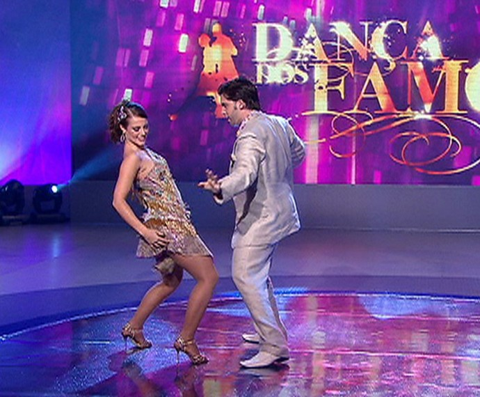 Paolla Oliveira brilhou no samba do Dança dos Famosos e foi campeã do quadro (Foto: TV Globo)