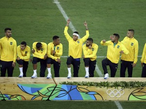 2016 Rio Olympics - Soccer - Victory Ceremony - Men's Football Tournament Victory Ceremony - Maracana - Rio de Janeiro, Brazil - 20/08/2016. Brazilian players during the medal ceremony.