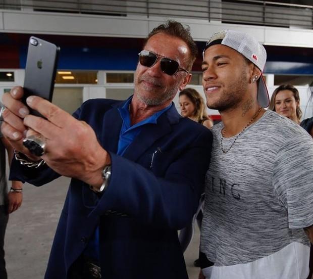 Arnold Schwarzenegger e Neymar juntos em Barcelona (Foto: Reprodução/Instagram)