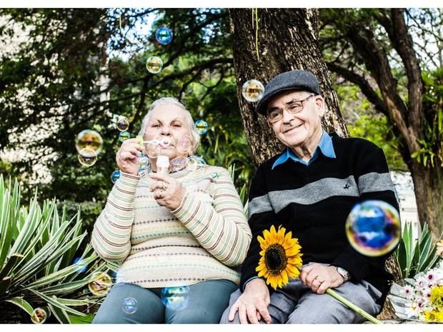 Eny e Augusto vivem com bom humor e dedicação ao relacionamento (Foto: Carlos Mafort)