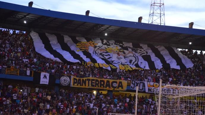 Torcida do São Raimundo (Foto: Dominique/GloboEsporte.com)
