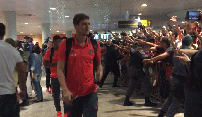 Flamengo desembarca em Manaus (Foto: Isabella Pina)