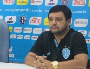 Ao lado de Roger Aguilera e Alberto Maia, Dado Cavalcanti anuncia saída do Paysandu (Foto: Fernando Torres/Ascom Paysandu)
