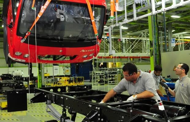 Fábrica da Mercedes-Benz (Foto: Divulgação)