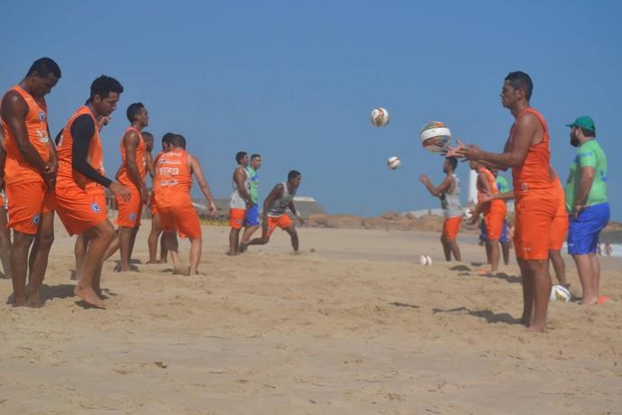 Parnahyba treina na praia  (Foto: Didupaparazzo )