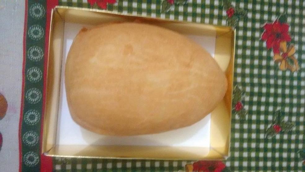 Ovo de Páscoa de coxinha é entregue em uma embalagem de ovo de colher, pesa 1,3 kg e custa R$ 30 (Foto: Marilza Veiga / Arquivo Pessoal)