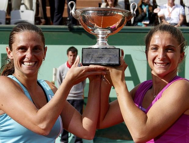 Sara Errani tênis Roberta Vinci Roland Garros duplas final troféu (Foto: Reuters)