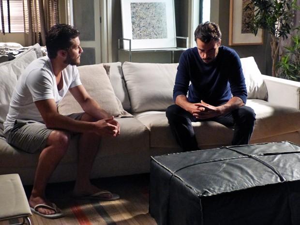 Leonardo e Enrico se entendem após conversa (Foto: Janaina Ornellas/ Gshow)