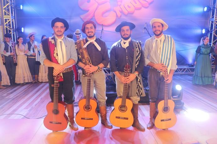 Quarteto Moldura Galpão Crioulo Pelotas Fenadoces (Foto: Gabriela Haas/RBS TV)