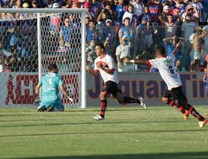 Jogador do Oeste comemora gol contra o Fortaleza no PV pela Série C do Campeonato Brasileiro de 2012 (Foto: Alex Costa/Agência Diário)