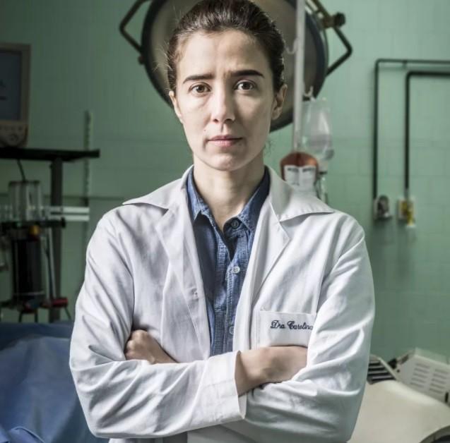 Marjorie como a cirurgiã Carolina: (Foto: Maurício Fidalgo/ TV Globo)