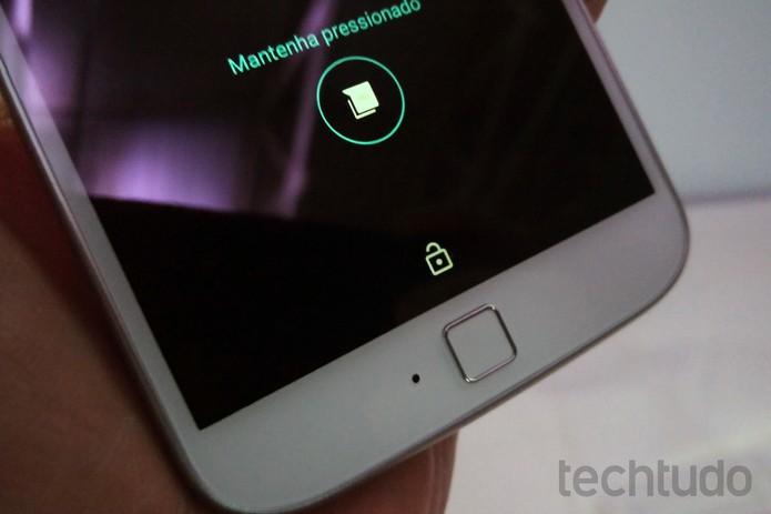 Moto G 4 Plus tem sensor de biometria (Foto: Fabrício Vitorino/TechTudo)