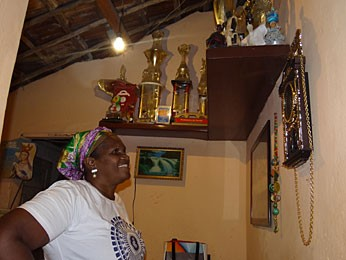 Marivalda Maria dos Santos, do maracatu Estrela Brilhante (Foto: Renan Holanda / G1)