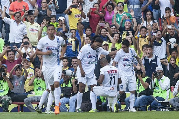 Ronaldinho América Querétaro Azteca (Foto: Christian Palma / AP)