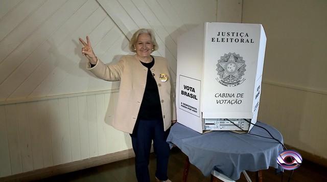 Ana Amélia Lemos, candidata do PP ao governo do RS, votou em Canela, RS