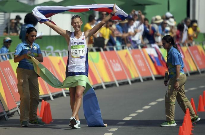 Matej Toth se superou e conquistou primeira medalha de ouro em Olimpíadas (Foto: Reuters)