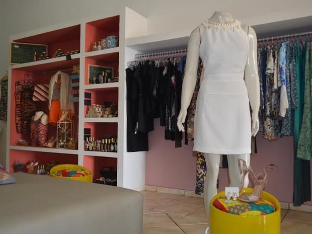 Branco ainda é a principal escolha quando o assunto é moda e festa de Ano Novo (Foto: Lauane Sena/G1)