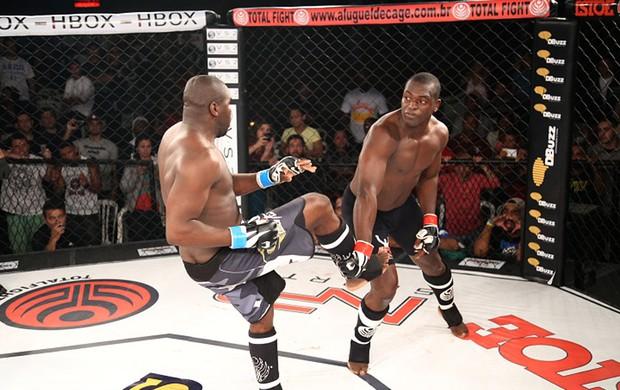 Flávio Silva e Gilberto Júnior MMA Amador (Foto: MMA4EVER)