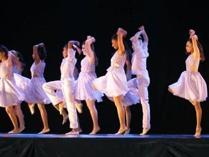 Apresentação Dança Araxá 03/05 (Foto: Gilson da Silva Alves)
