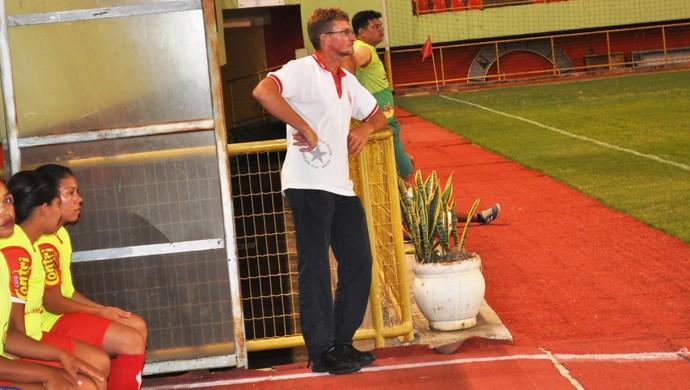 Vilmar Luiz, o Louro da Baixada, técnico do Rio Branco feminino (Foto: Duaine Rodrigues)