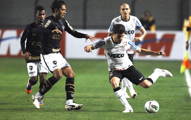 Alex, Corinthians x Botafogo (Foto: Reinaldo Canato / Agência Estado)