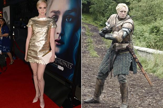 Gwendoline Christie em Game of Thrones (Foto: Agência Getty Images / Divulgação Game of Thrones)