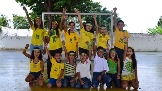 Crianças, Fortaleza, Brasil, campo, Castelão, Copa, Confederações (Foto: Juscelino Filho)