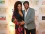 Juliana Alves exibe a barriguinha de grávida na estreia do longa do marido