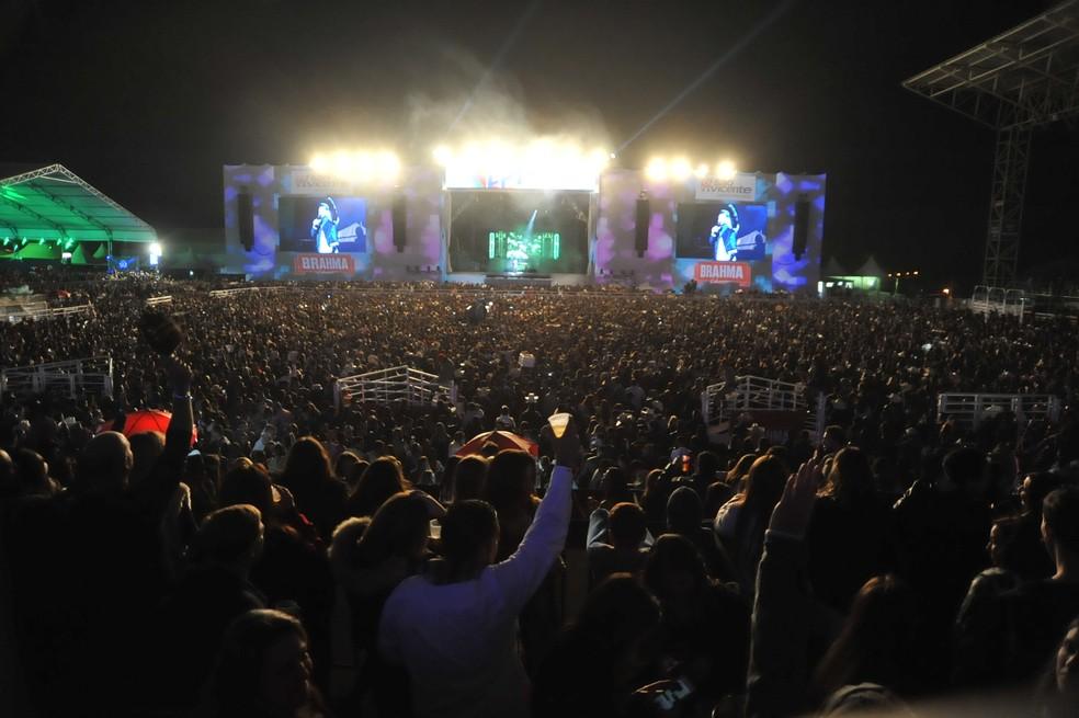 Show de Wesley Safadão lotou arena na Festa do Peão de Americana (Foto: Júlio César Costa)