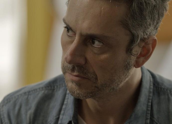 Romero tenta convencer Zé Maria a deixar Tóia em paz (Foto: TV Globo)