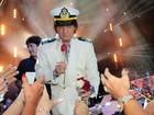 Roberto Carlos provoca plateia de show em navio: 'Nunca fui inocente'