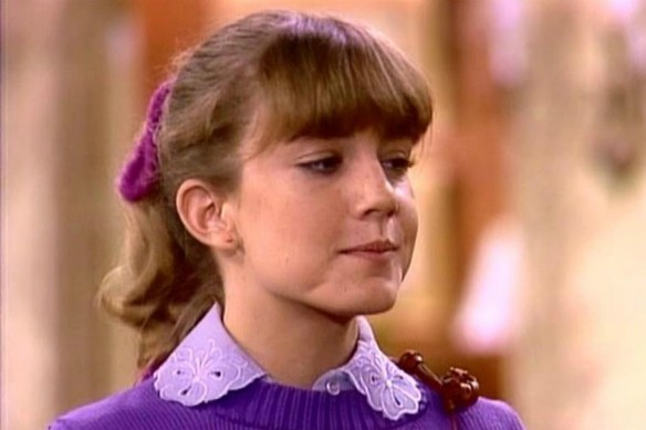 Dana Plato (1964-1999): Companheira de elenco de Gary Coleman em 'Arnold', a atriz morreu aos 35 anos após uma overdose de medicamentos. (Foto: Reprodução)