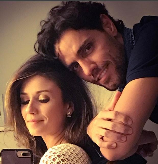 Paula Fernandes e o namorado, Thiago Arancam (Foto: Reprodução)