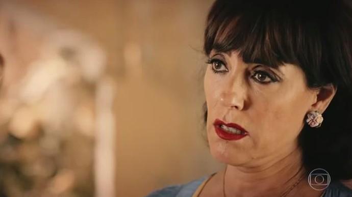 Iolanda é pressionada pelo Saruê (Foto: TV Globo)