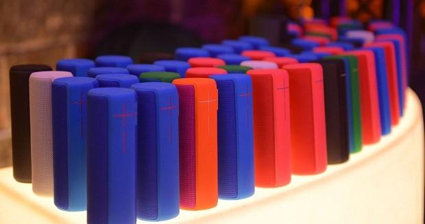 208 caixas de som bluetooth tocaram a mesma música simulataneamente (Foto: Divulgação)