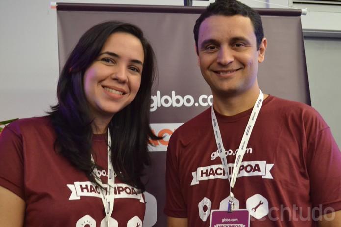 Marcelo Soares e Glaucia Peres no Hack in PoA 2015 pela Globo.com (Foto: Melissa Cruz / TechTudo)