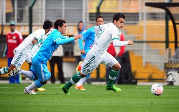 Lance do jogo entre Palmeiras e Paysandu (Foto: Marcos Ribolli / Globoesporte.com)