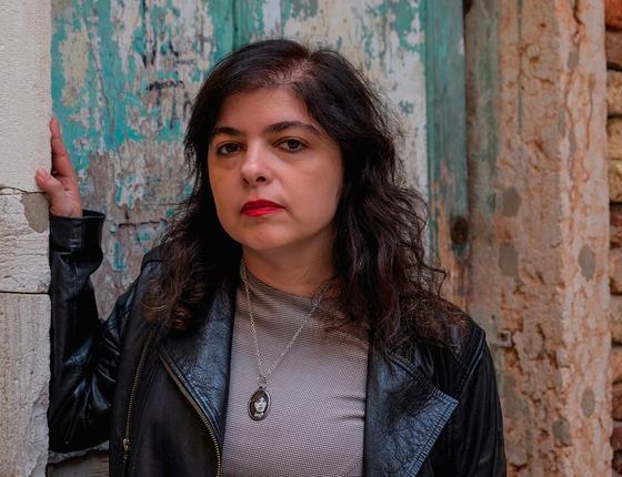 A escritora argentina Mariana Enriquez em Veneza,na Itália (Foto: Awakening/Getty Images)