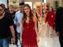 Marina Ruy Barbosa aposta em look 'dama de vermelho' em evento em SP