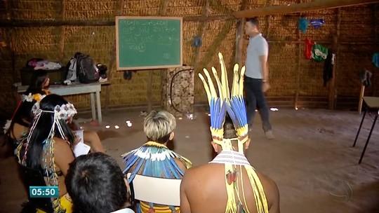 Índios estudam inglês para receber turistas em aldeia em Tangará da Serra (MT)