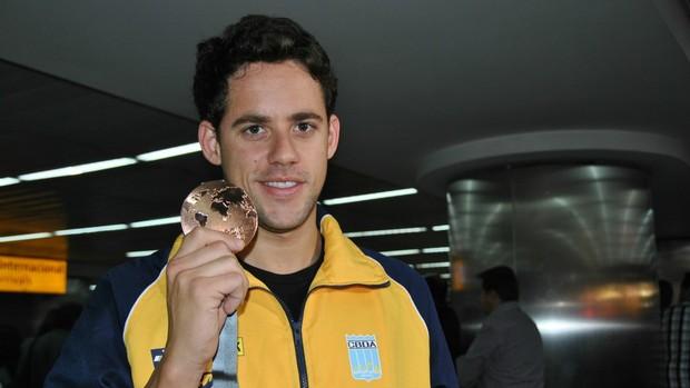 Thiago Pereira desembarque Mundial (Foto: João Gabriel Rodrigues)