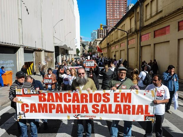 Greve bancários Porto Alegre (Foto: Vinícius Roratto/Divulgação SindBancários-RS)