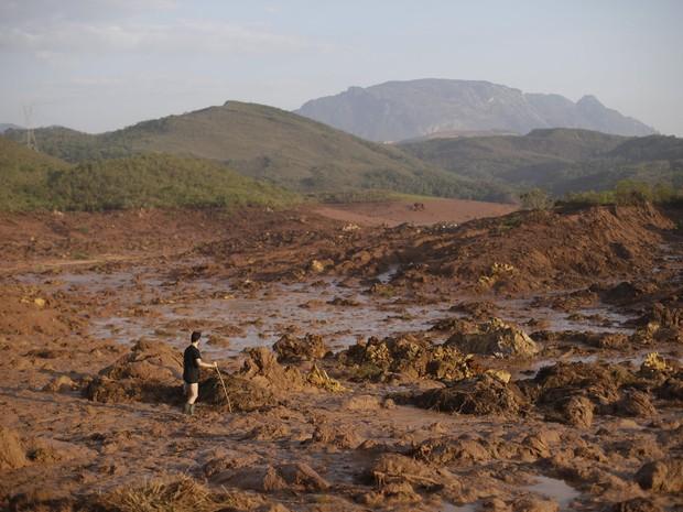 Calcula-se que quase 23 mil piscinas olímpicas de lama foram despejadas com rompimento de barragem (Foto: REUTERS/Ricardo Moraes)