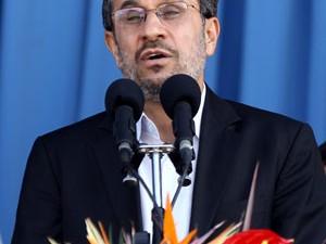 Restrições aumentaram desde a chegada ao poder do presidente Mahmud Ahmadinejad. (Foto: AFP)