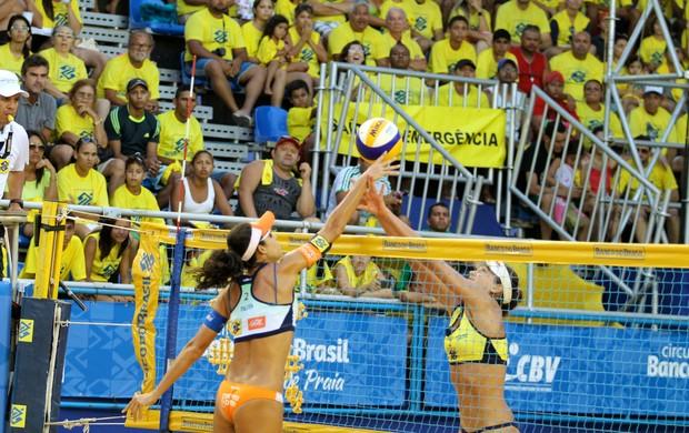 Vôlei de praia : Talita e Taiana venceram Maria Clara e Carol na semifinal (Foto: Paulo Frank/CBV)