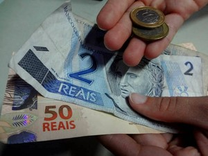 Reajuste do novo salário mínimo é de R$ 56,00.  (Foto: Natália Mello/ G1)